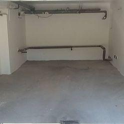 REZERVOVANE - Predám garáž v Hurbanove
