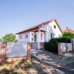 Rezervované - Na predaj  RD v tichom prostredí v blízkosti jazera - 10 a - Hruboňovo