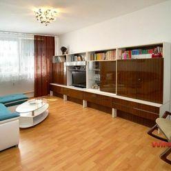 Slnečný 2-izbový byt po rekonštrukcii na ulici Jána Hollého