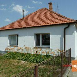 Exkluzívne na predaj rodinný dom s garážou, Hrubý Šúr