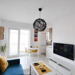 Na predaj svojpomocný 3i byt s garážou v centre mesta Komárno