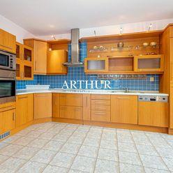 ARTHUR - 4 izbový slnečný byt s vlastným plynovým kotlom a garážou, ul. Drotárska cesta