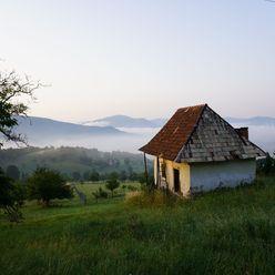 Vidiecka usadlosť s krásnym výhladom na Novú Baňu