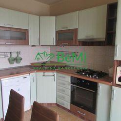 Predáme veľký 3 izbový byt - Zlaté Moravce (972-113-AFI)