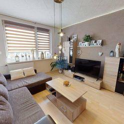 Na  predaj 2- izbový,  zrekonšturovaný byt,na ulici SNP v Holíči.