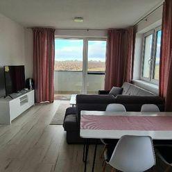 SENEC-novostavba krásneho 3 izb. bytu s terasou a kompletným moderným zariadením as par. miestom
