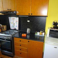 Exkluzívne ponúkame na predaj byt v bytovom dome vo Svite po kompletnej rekonštrukcii.