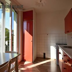Iba u nás: príjemný 2 izbový byt s balkónom, Exnárova ul., BA II - Ružinov