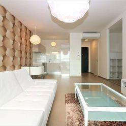 PRENÁJOM- slnečný 3 izbový byt v Panorama city, Landererova, BA I