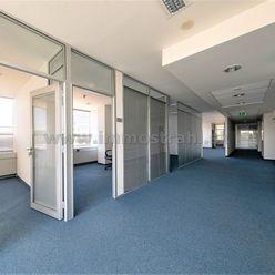 Nadštandardný administratívny priestor o výmere 207 m2 na prenájom v objekte Westend Tower na Patrón