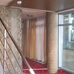 Klimatizovaný obchod. priestor 110 m2  Hodžovom nám. pri Prezidentskom paláci, NOVOSTAVBA