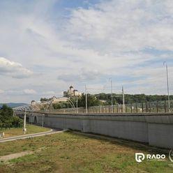 Na prenájom rodinný dom s výhľadom na hrad v širšom centre Trenčína