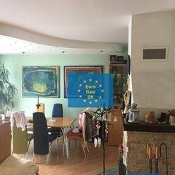 Ponúkame na predaj veľký 3,5 izb. byt (mezonet) 154 m2 s garážou  v atraktívnej  lokalite Košice-Juh