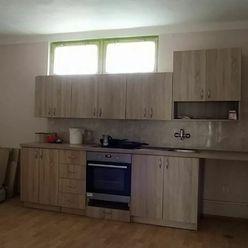 Na predaj 3-izbový rodinný dom s garážou v Komárne
