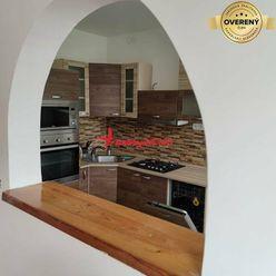Kompletne a vkusne zariadený veľký troj izbový byt v Šali vo Veči