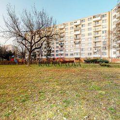 REZERVOVANÉ: 4-izbový byt s 2 balkónmi, Michalovská ulica, Košice