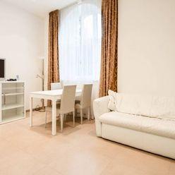 Tichý 1,5-izbový byt nad Palisádami