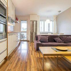 Príjemný 3 izbový byt s balkónom v Starom meste