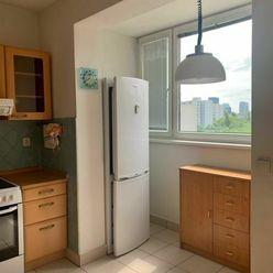 Ponúkame na predaj 2.izbový byt v Ružinove vo výbornej lokalite