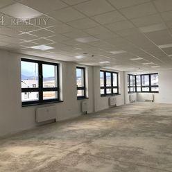 Prenájom komerčných priestorov, 185 m2 + 5x parkovacie státie, Vinohrady, Trenčín / Zámostie