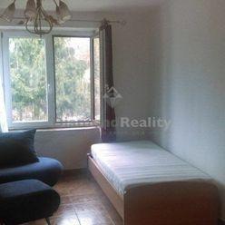 Na predaj rekonštruovaný 1 izbový byt, Horné Orešany.