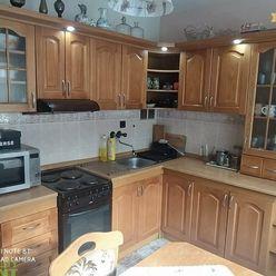 Priestranný 3+1 byt v Čadci na Žarci