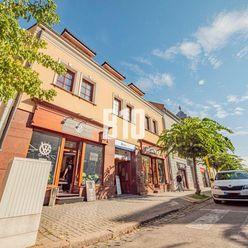 Exkluzívne Vám na predaj ponúkame budovu v centre mesta s garantovaným mesačným výnosom z nájmu
