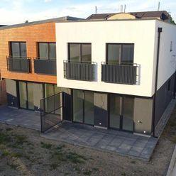 Novostavba 4-izbovy dom v dvojdome Bratislava ul. Hradská  uzatvorený areal na Dialkové ovladanie.
