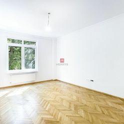 HERRYS - Na predaj kompletne novo-zrekonštruovaný 3.izbový byt s balkónom v tehlovom dome na Grössli