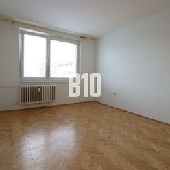 Rezervované - 3 izbový byt v TOP lokalite - pekný výhľad
