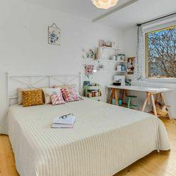 VIDEO - Slnečný 3i byt rodinnej atmosféry v tichej časti Ružinova, Kostlivého ul.