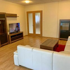 RK DOLCAN ponúka do prenájmu 4 izbový byt s garážou v centre mesta, Nitra