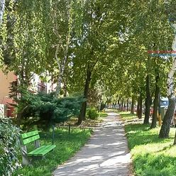 P R E D A J  1 izbový byt v Bratislave na Bakošovej ulici .