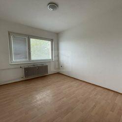 Directreal ponúka Priestranný 3-izbový byt s 2 balkónmi za skvelú cenu v obci Selice