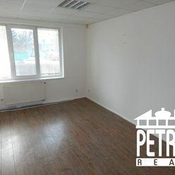 PRENÁJOM : kancelárie v centre mesta Zvolen so samostatným vstupom