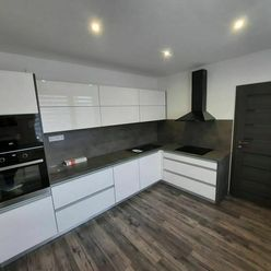 Na predaj 3 izbový byt 84 m2 na Kapisztoryho 2x balkón