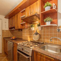Directreal ponúka REZERVOVANÉ Exkluzívne - Útulný, rodinný dom po vydarenej rekonštrukcii s príjemno