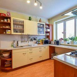 3izb. byt v RD s garážou, pozemok 429 m2, Košice - Juh