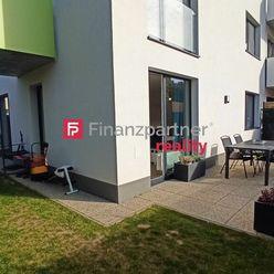 Exkluzívne Vám ponúkame na predaj 3 izb byt s takmer 100 m2 pozemkom v Nitre, kompletná rekonštrukci