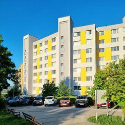 Predaj priestranného slnečného 3 izbového bytu 84
