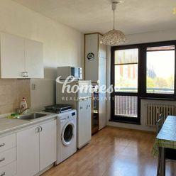 PRENÁJOM 3 izbový  veľký, zariadený byt, Nitra