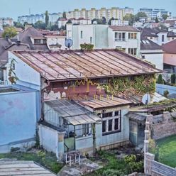 REZERVOVANÉ! Starší typický košický rodinný dom, Rázusová ulica