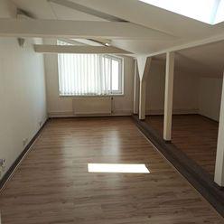 Prenájom klimatizovaných kancelárskych priestorov 97 m2 v podkroví - Štrkovec