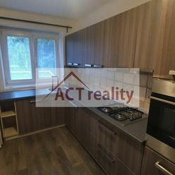 ACT REALITY-  Veľkometrážny 1-izbový byt, 50m2, po rekonštrukcii - Staré Sídlisko, Prievidza