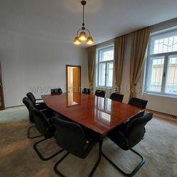 Nadštandardný administratívny priestor na prenájom o výmere 141 m2 v budove na Ulici Palisády v Brat