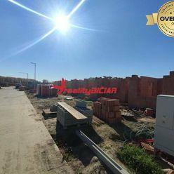 Novostavba rodinný dom v radovej zástavbe v TOP lokalite v Šali