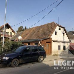LEGEND - *** R.E.Z.E.R.V.O.V.A.N.É. ***  - Pozemok s domom v pôvodnom stave v Trenčíne - časť Záblat