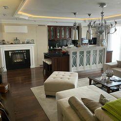 Rodinná Vila 6 izbová,  úžitková 650m2, 3 podlažia, pozemok 1008m2, Lučenec - Opatová