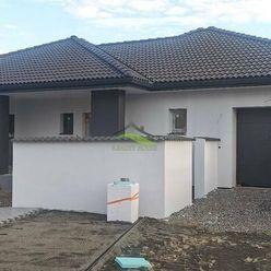 PEKNÁ kvalitná NOVOSTAVBA  - väčší tehlový dom  - pozemok 760 m2