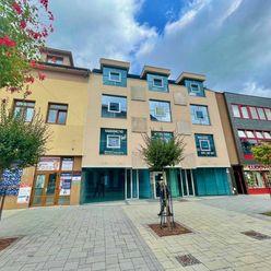 Na prenájom - komerčný obchodný priestor - predajňa v centre mesta Topoľčany